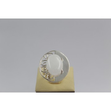 РАЗПРОДАЖБА -50% Сребърен пръстен с естествен бял кварц 688