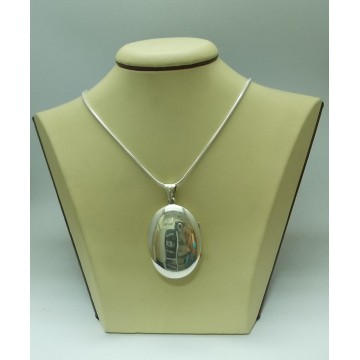 Дамски сребърен отварящ се медальон Класик
