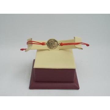 Златна регулираща се гривна с червен конец и златна богородица 2708