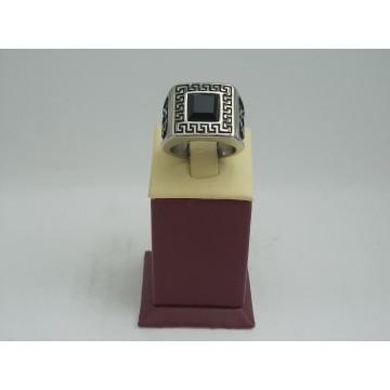 Стоманен пръстен бяла стомана и черен камък 2749
