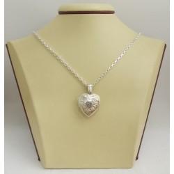 Отварящ се дамски сребърен медальон 3090