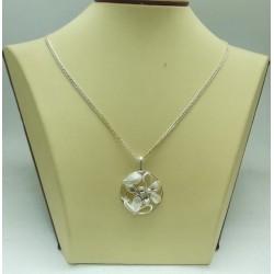 Дамски сребърен медальон Букет