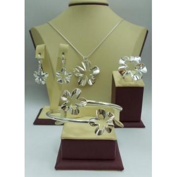 Дамски сребърен комплект Нарцис гривна медальон обеци пръстен
