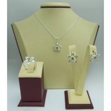 Дамски сребърен комплект Кристална Прелест Оливин