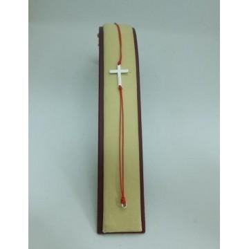 Гривна с червен конец и закопчалка - Кръст