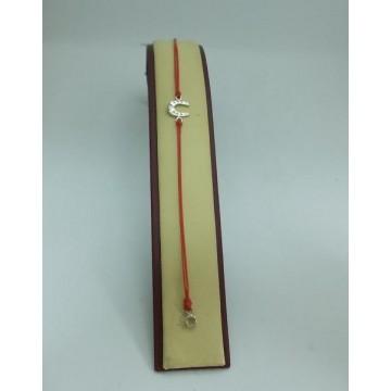 Гривна с червен конец и закопчалка - Подкова