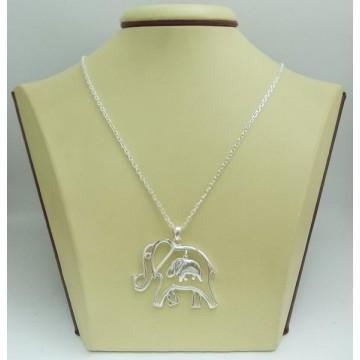 Дамски сребърен медальон Слончета
